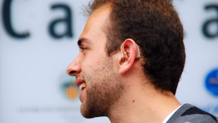 Reivindiquem les pròtesis auditives com un dret universal de les persones sordes