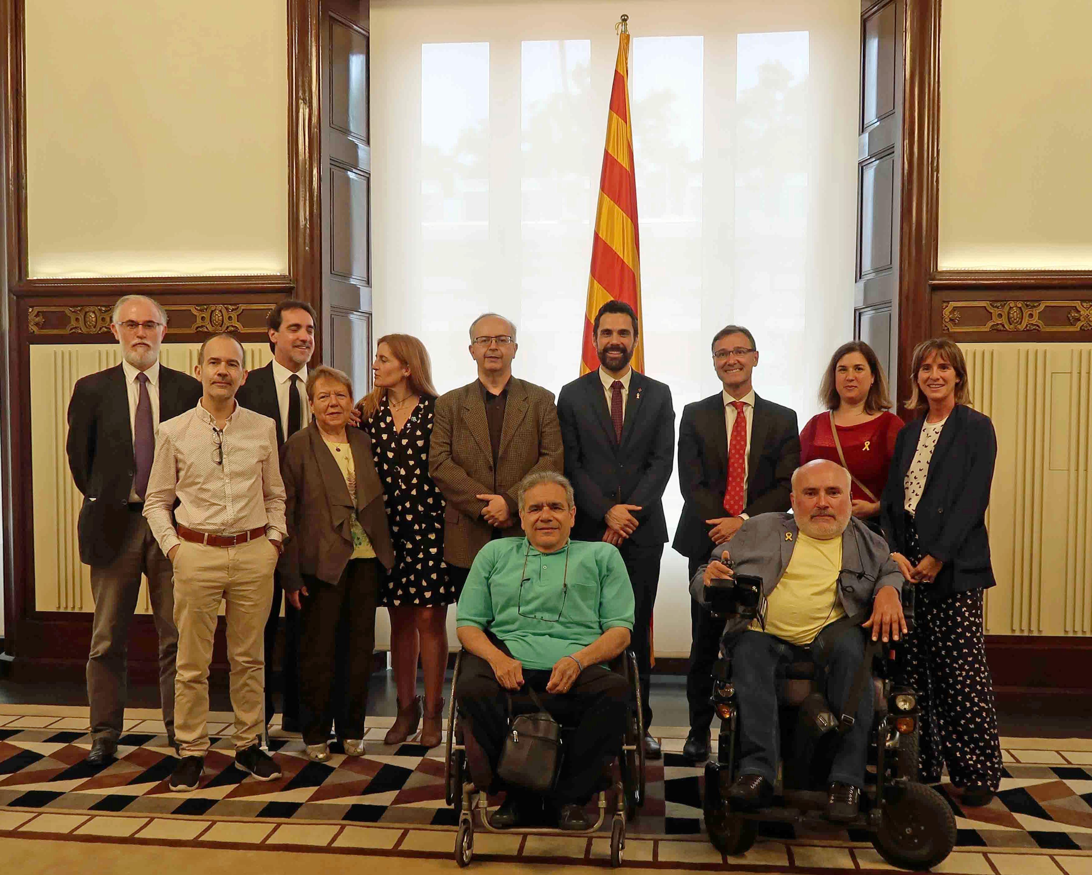 El moviment català de la discapacitat oferim al Parlament la nostra col·laboració per construir polítiques socials més inclusives