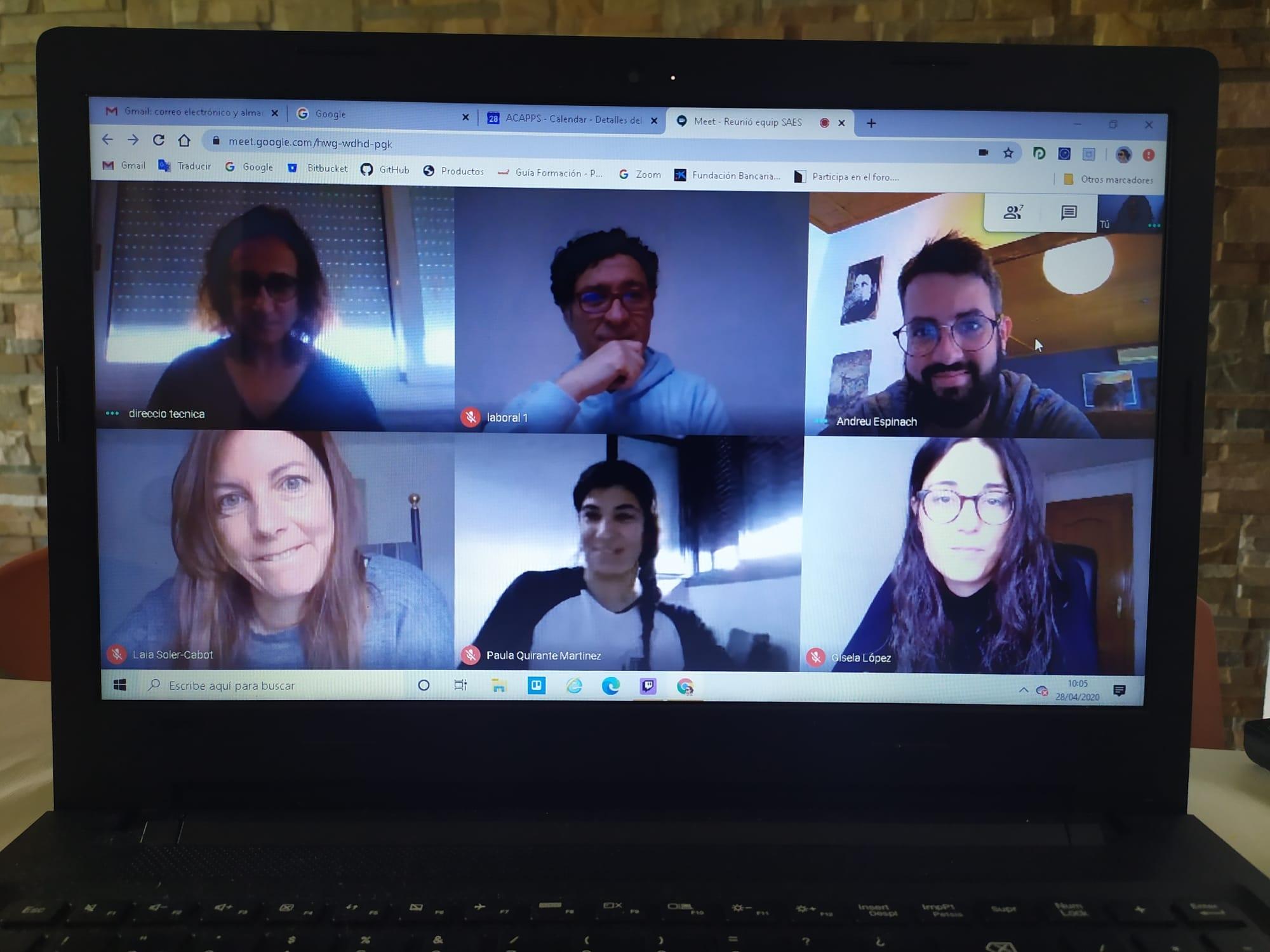 Les aplicacions de videoconferències suspenen en accessibilitat a la comunicació per a les persones amb sordesa
